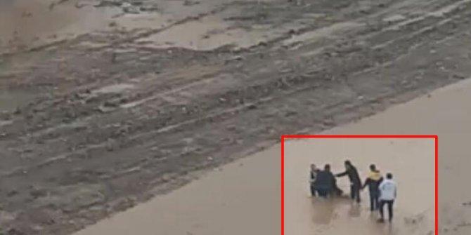 Adana'da dokuz yaşındaki çocuk sel sularına kapıldı