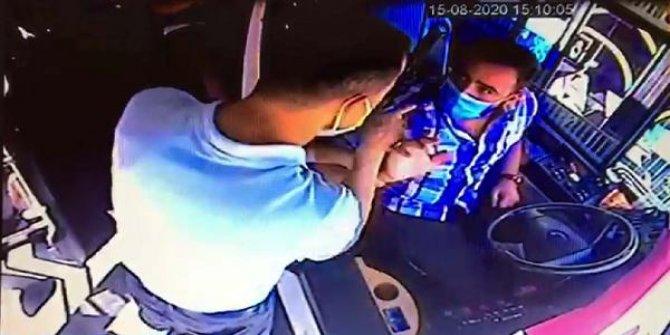 Engelli annesinin kartıyla otobüse binen yolcu, şoförle tartıştı
