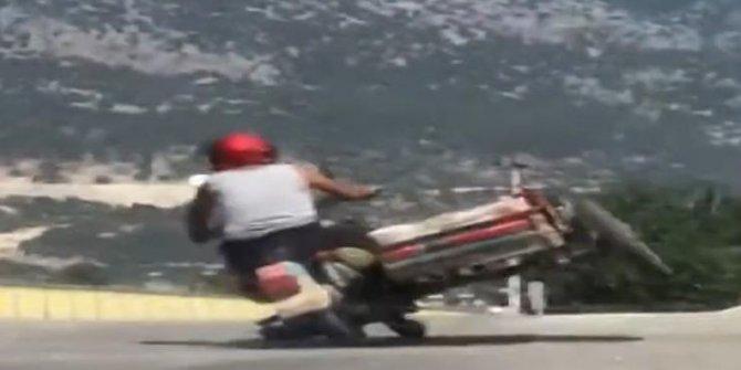 Sepetli motosikletle tehlikeli yolculuk kameraya böyle yansıdı